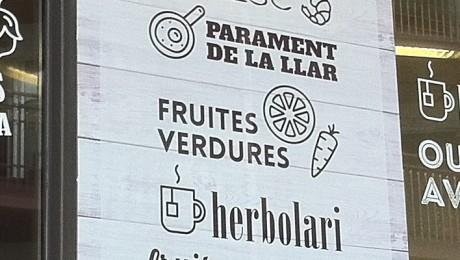 Retolació en vinil pel Mercat Municipal de Sitges